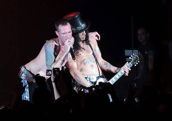 Slash and Scott Weiland of Velvet Revolver